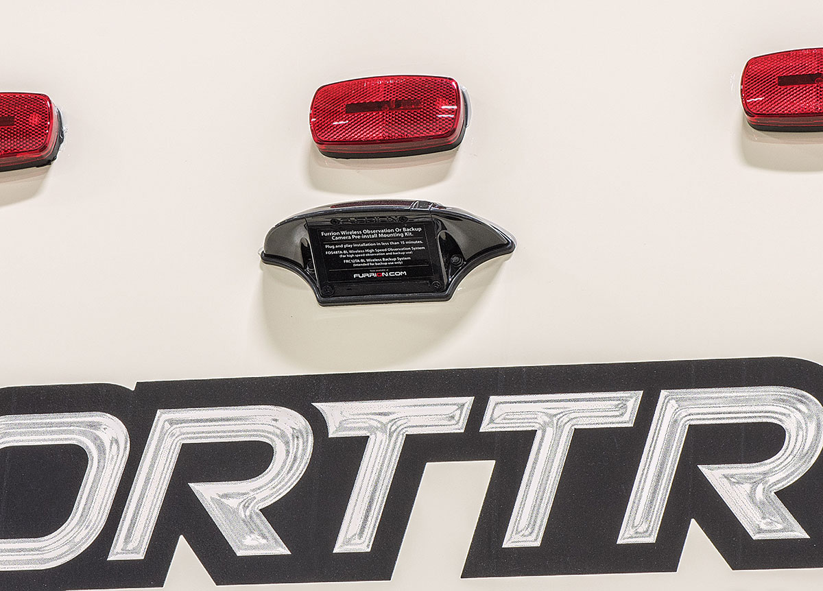 2017 SportTrek Features   Venture RV