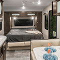 2018 Venture RV Sonic SN190VRB Travel Trailer Bed