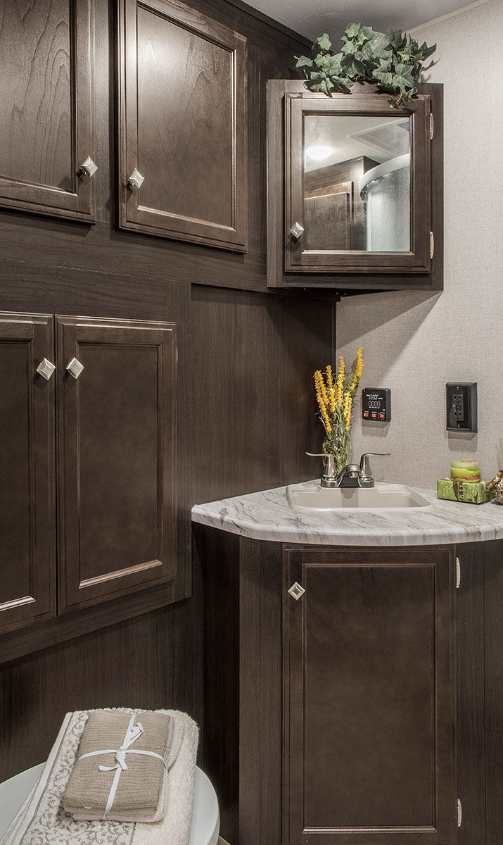 ... 2018 Venture RV SportTrek ST271VRB Travel Trailer Bathroom ...